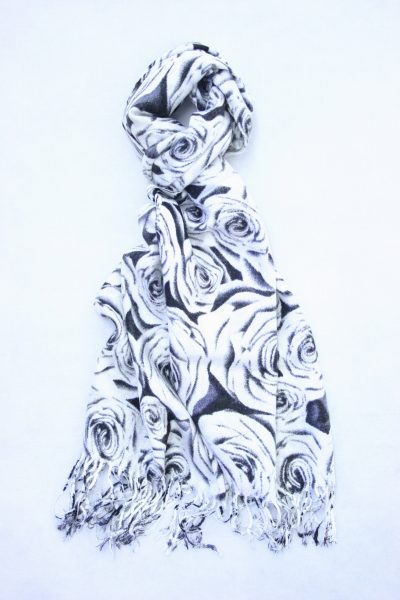 rose-print-pashmina-black-white-1